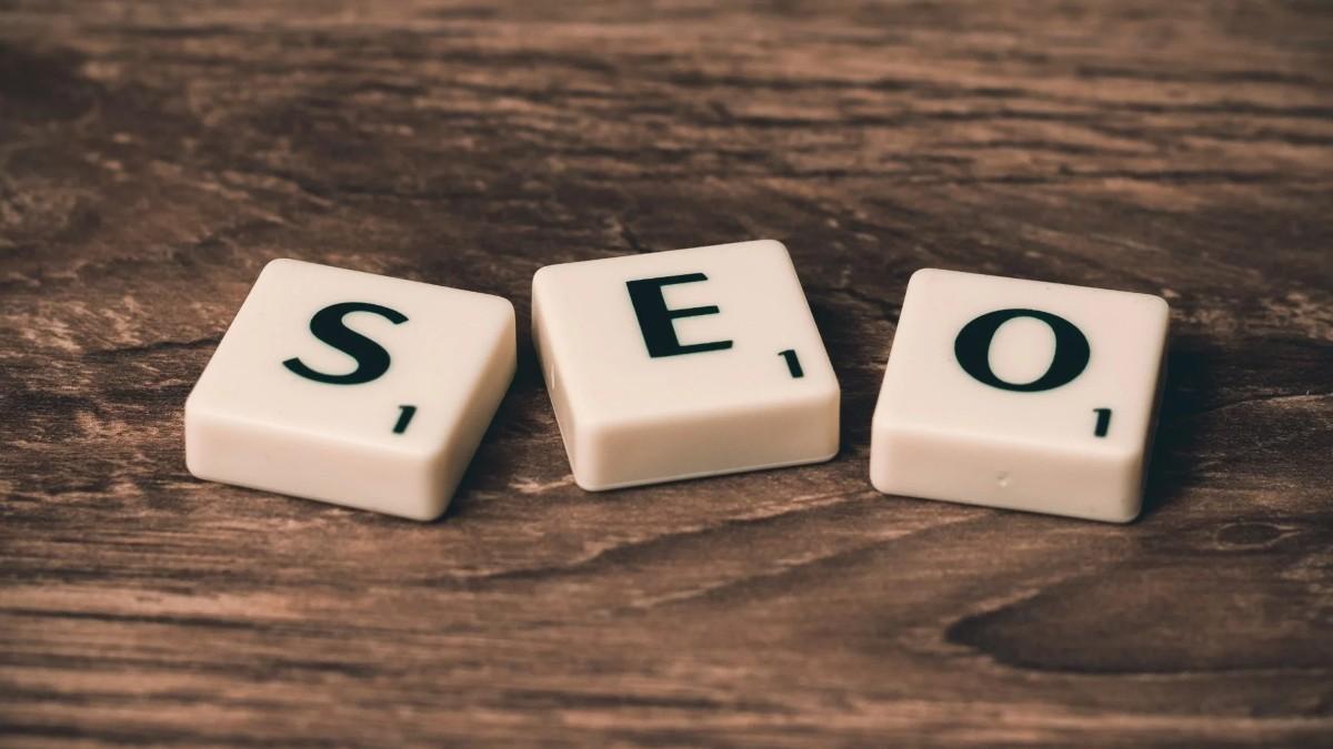 SEO-advertising-alphabet-business-Pexelcom brodneil